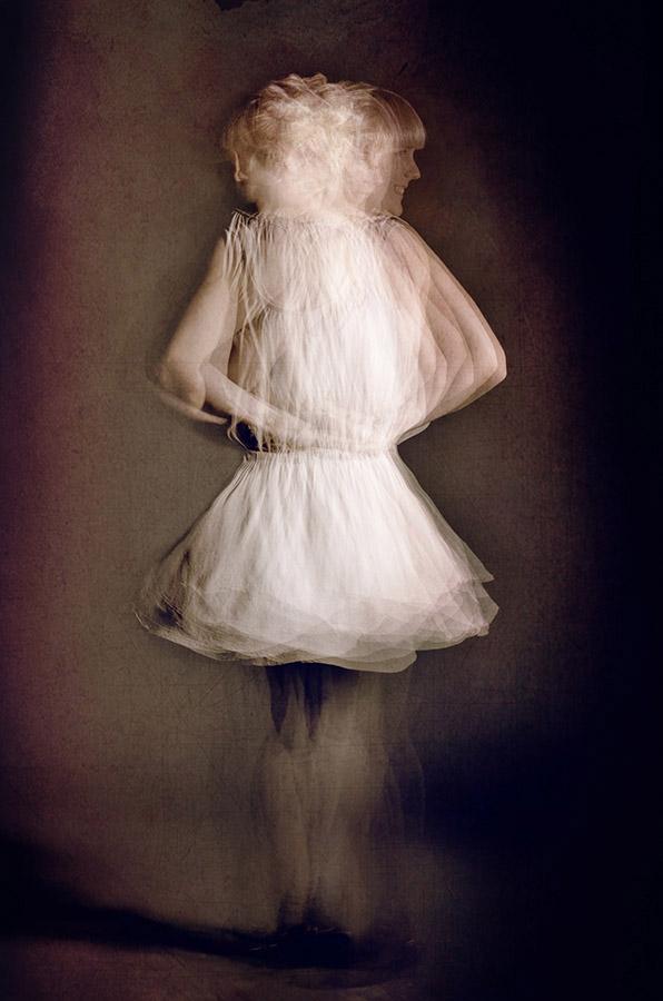 THE DANCER #1 of 20 á 33x50 cm. #1 of 5 á 50x75 cm. 1 of 3 á 66x100 cm. From 5000 SEK